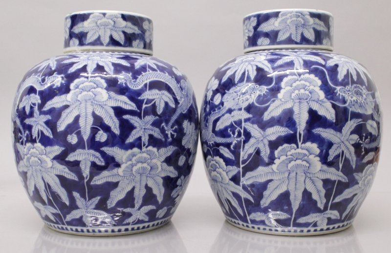 A GOOD PAIR OF 19TH CENTURY CHINESE BLUE & WHITE - 3