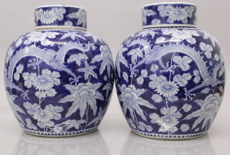 A GOOD PAIR OF 19TH CENTURY CHINESE BLUE & WHITE - 4