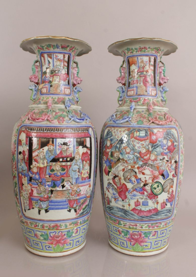 A LARGE PAIR OF 19TH CENTURY CHINESE CANTON FAMILLE - 3
