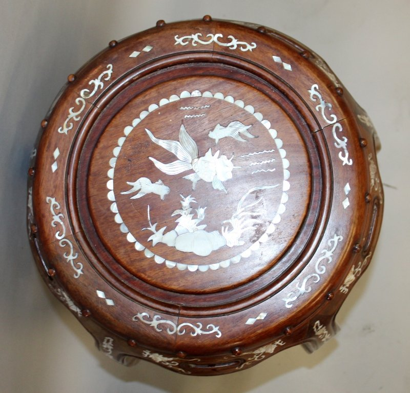 A CHINESE MOTHER-OF-PEARL INLAID BARREL FORM HARDWOOD - 6