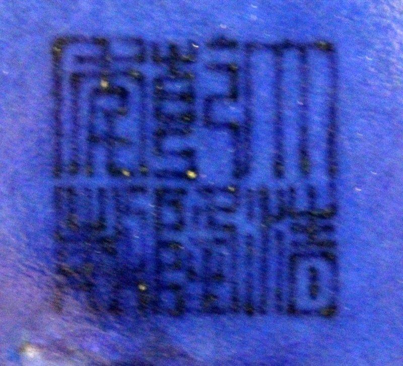 A LARGE CHINESE BLUE GLAZED PORCELAIN VASE, the - 7