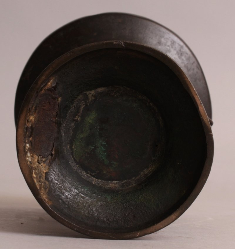 AN ORIENTAL MING STYLE BRONZE VASE, possibly early, the - 6