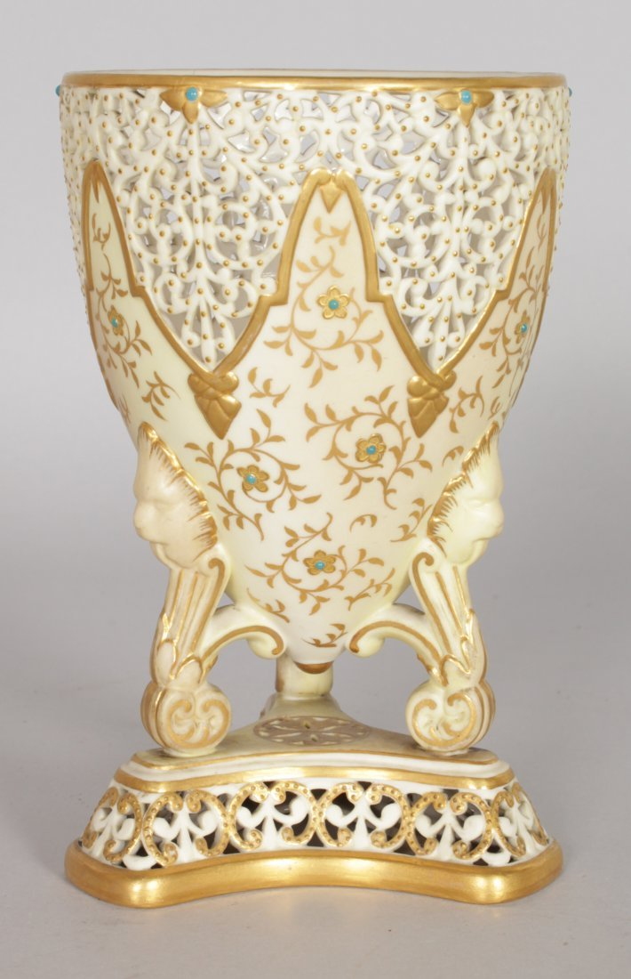 A GRAINGER & CO ROYAL WORCESTER PIERCED URN with gilt - 2