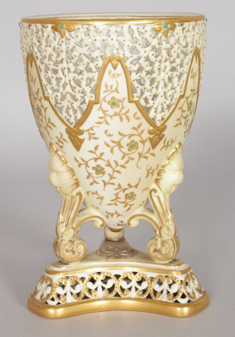 A GRAINGER & CO ROYAL WORCESTER PIERCED URN with gilt - 3
