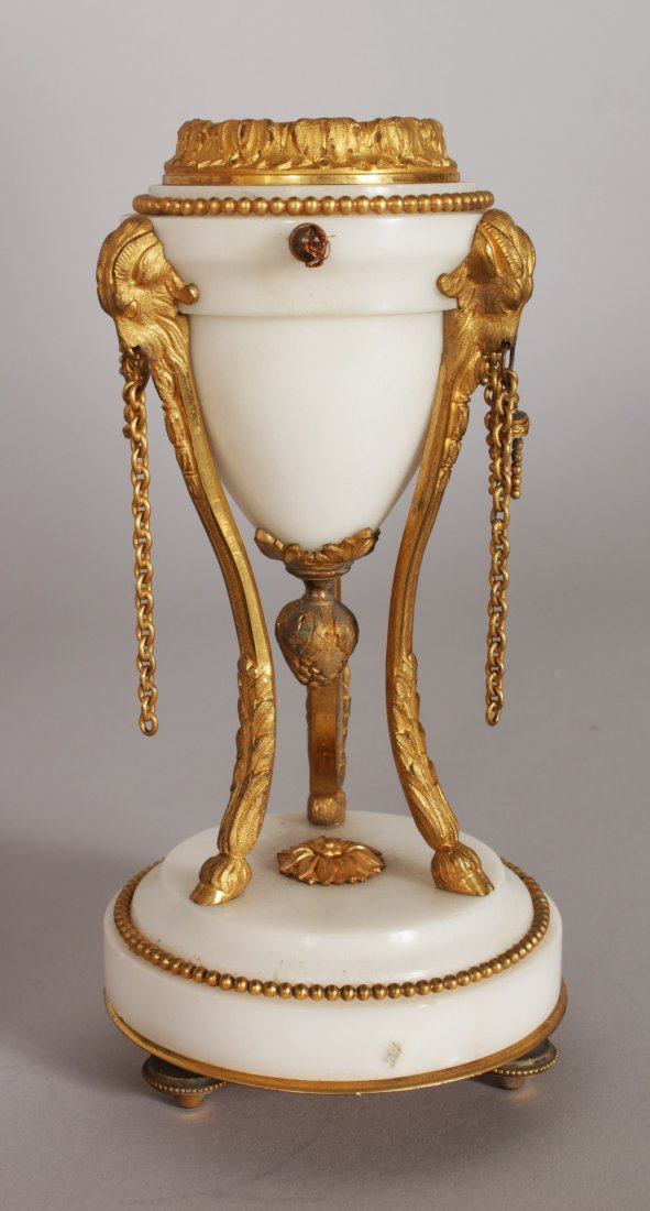 A GOOD FRENCH WHITE MARBLE AND ORMOLU THREE PIECE CLOCK - 7