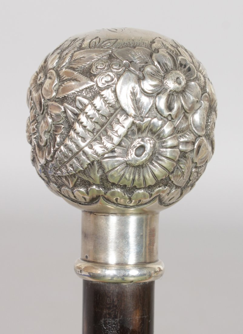 A SILVER TOPPED STICK by TIFFANY USA. Date: 1890. - 2