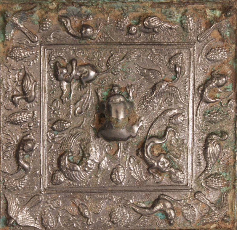 A SMALLER PAIR OF CHINESE TANG STYLE SILVERED BRONZE - 2