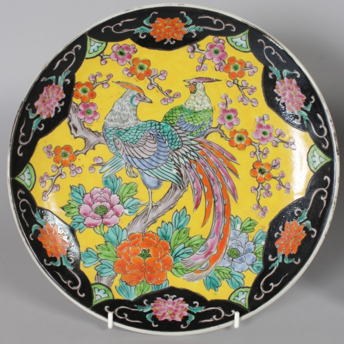 FOUR VARIOUS CHINESE PLATES AND A SAUCER. - 2