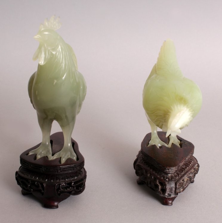 AN UNUSUAL SET OF 20TH CENTURY CHINESE CELADON GREEN - 2