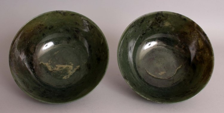 A GOOD LARGE PAIR OF 20TH CENTURY CHINESE SPINACH GREEN - 2