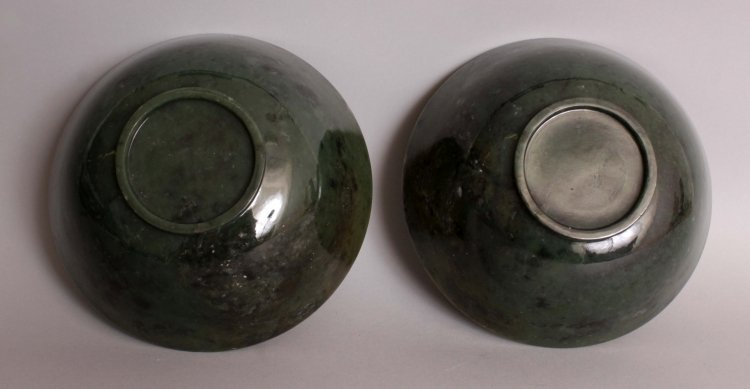 A GOOD LARGE PAIR OF 20TH CENTURY CHINESE SPINACH GREEN - 3