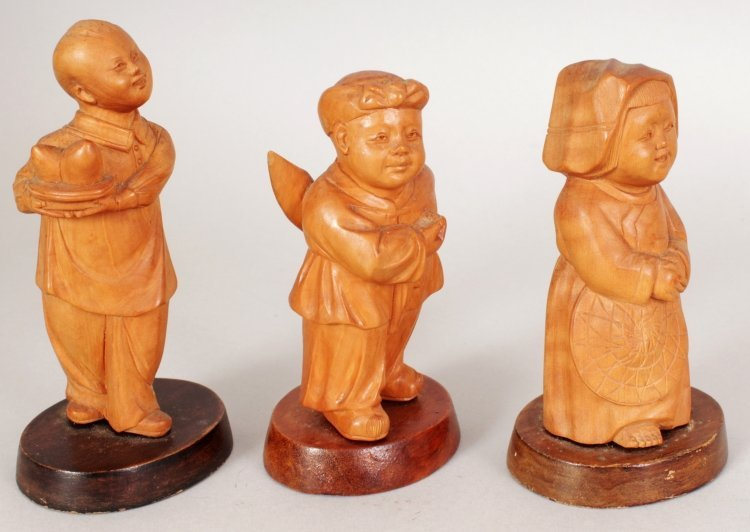 A GROUP OF FIVE CHINESE COMMUNIST PERIOD CARVED WOOD - 2