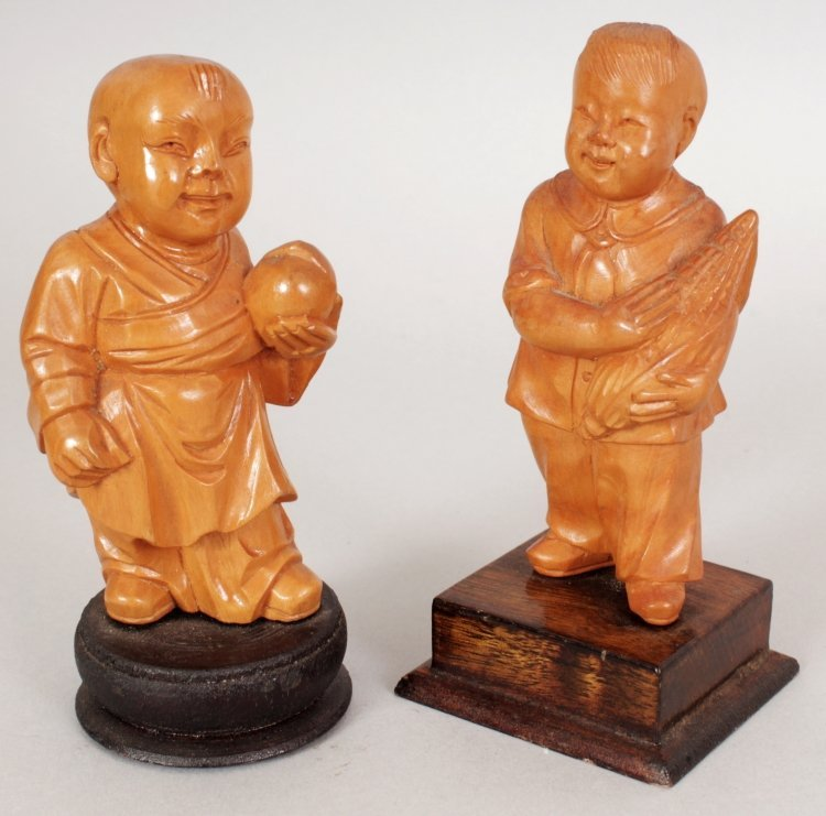 A GROUP OF FIVE CHINESE COMMUNIST PERIOD CARVED WOOD - 3