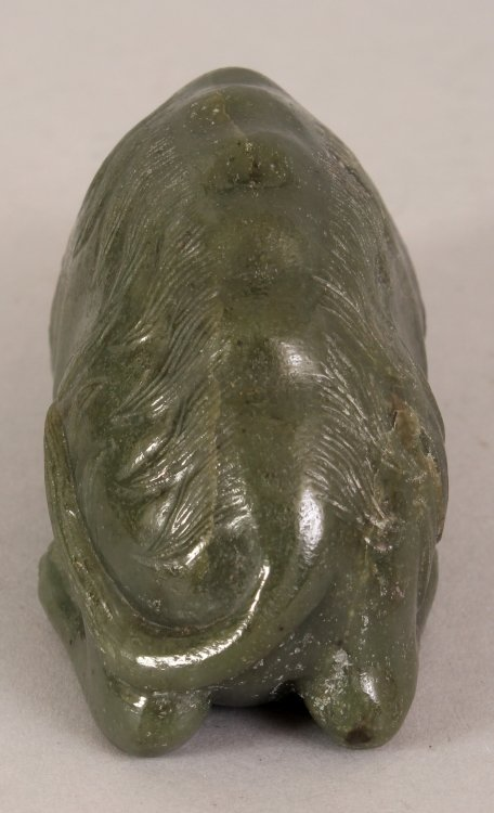 AN EARLY 20TH CENTURY CHINESE GREEN JADE CARVING OF A - 4
