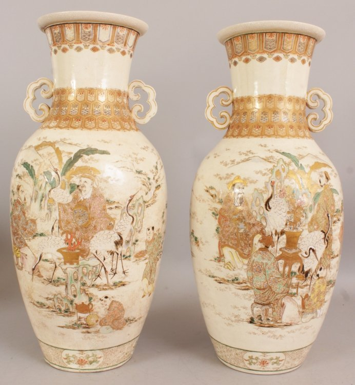 A LARGE PAIR OF 19TH/20TH CENTURY JAPANESE KYOTO