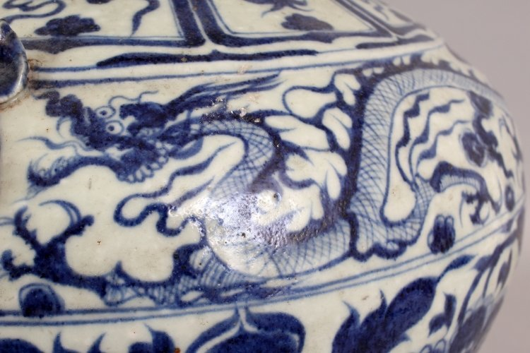 A LARGE CHINESE YUAN STYLE PORCELAIN VASE, decorated - 6