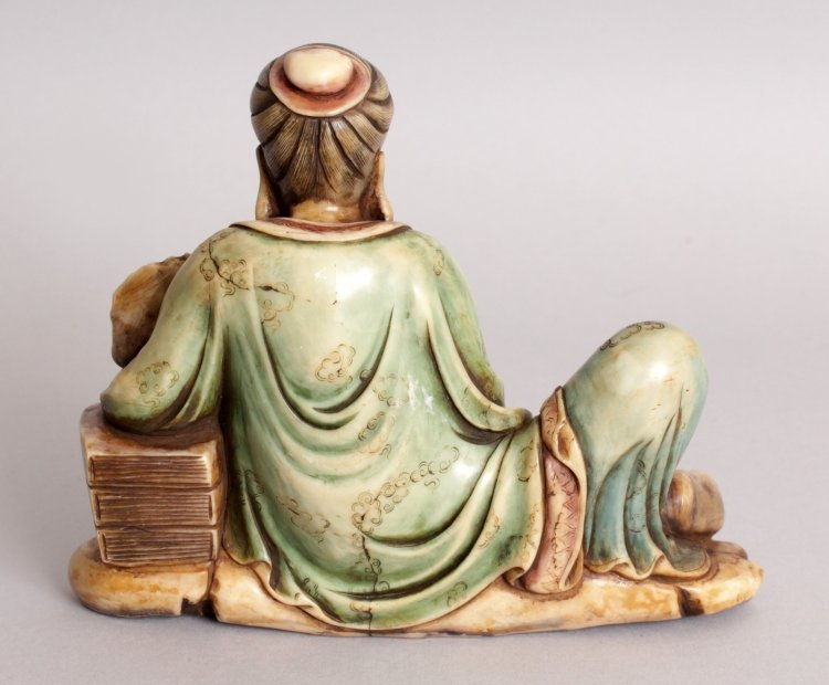 A GOOD QUALITY CHINESE STAINED SOAPSTONE CARVING OF A - 3