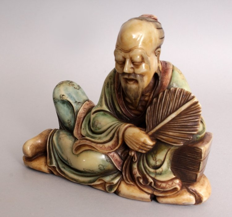 A GOOD QUALITY CHINESE STAINED SOAPSTONE CARVING OF A - 5