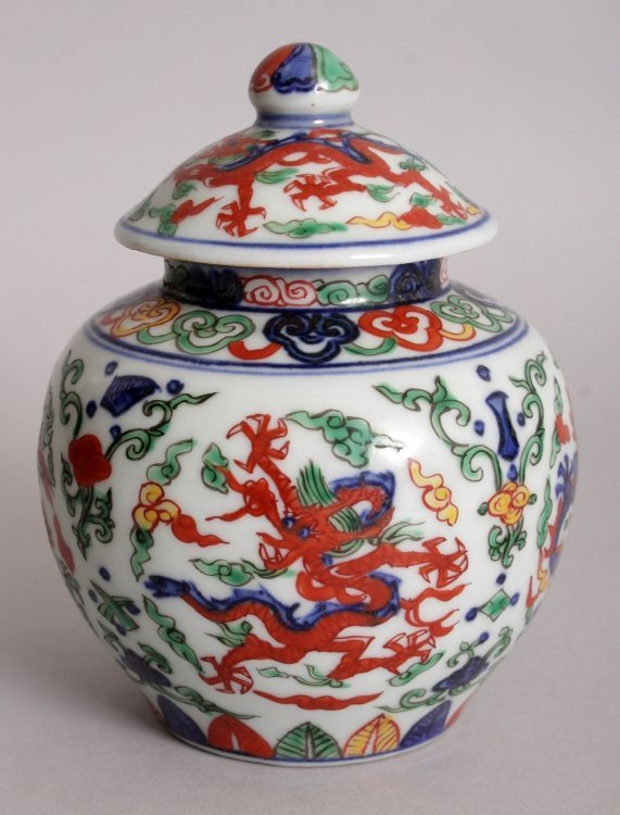 A CHINESE WUCAI PORCELAIN DRAGON JAR & COVER, the base - 2