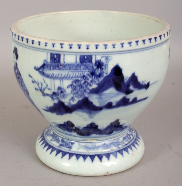 A 19TH/20TH CENTURY CHINESE BLUE & WHITE PORCELAIN - 4