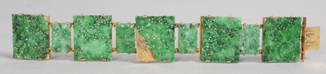 A SUPERB GOLD MOUNTED PIERCED AND CARVED GREEN JADE - 2
