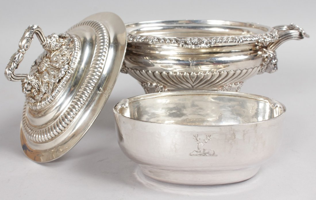 A SUPERB SET OF FOUR GEORGE III TWO HANDLED OVAL SAUCE - 7