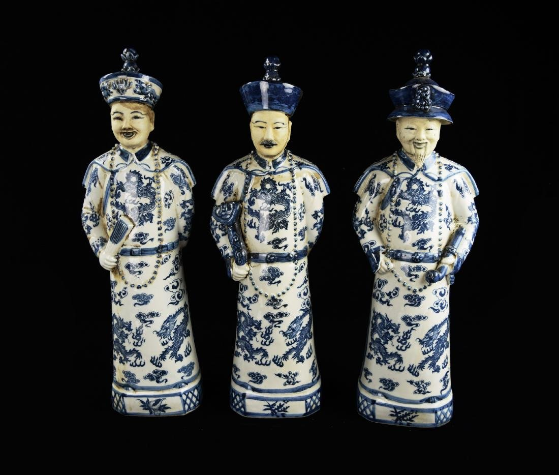 A Set of Blue and White Porcelain Figurines of Three