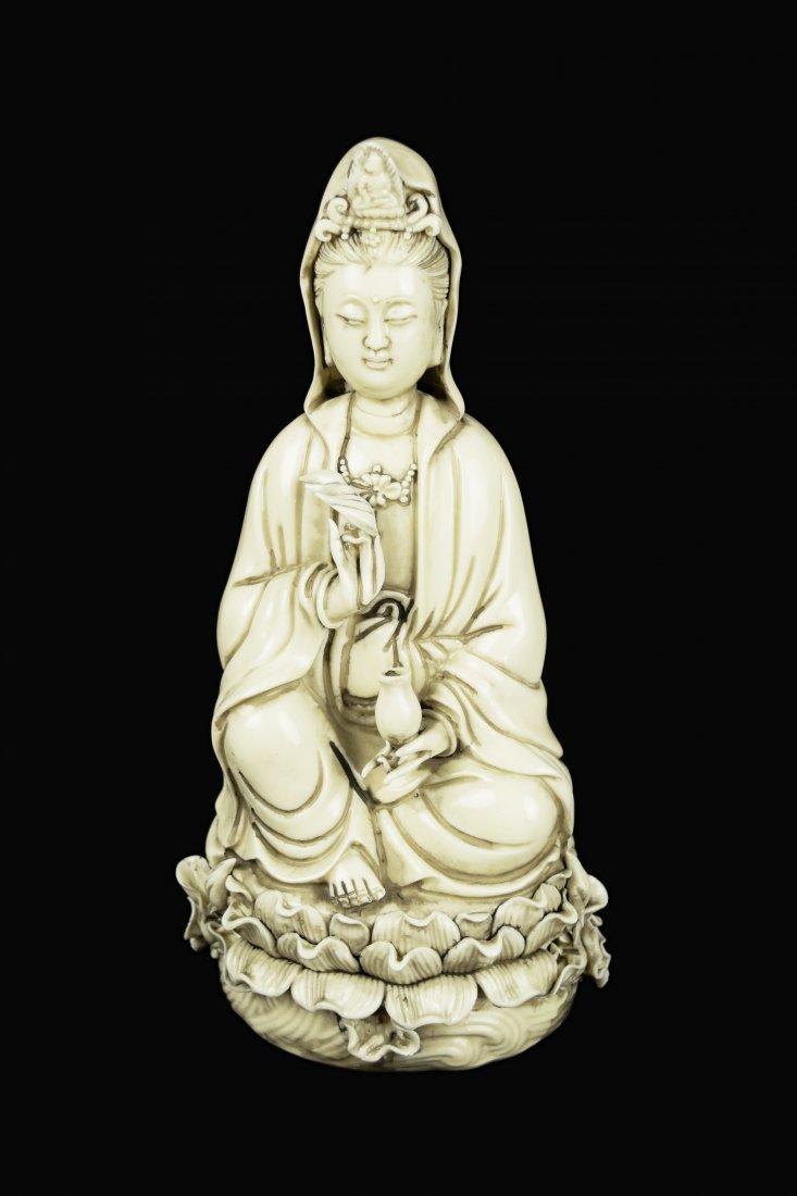 A Republic Era Chinese Dehua White Porcelain Guanyin