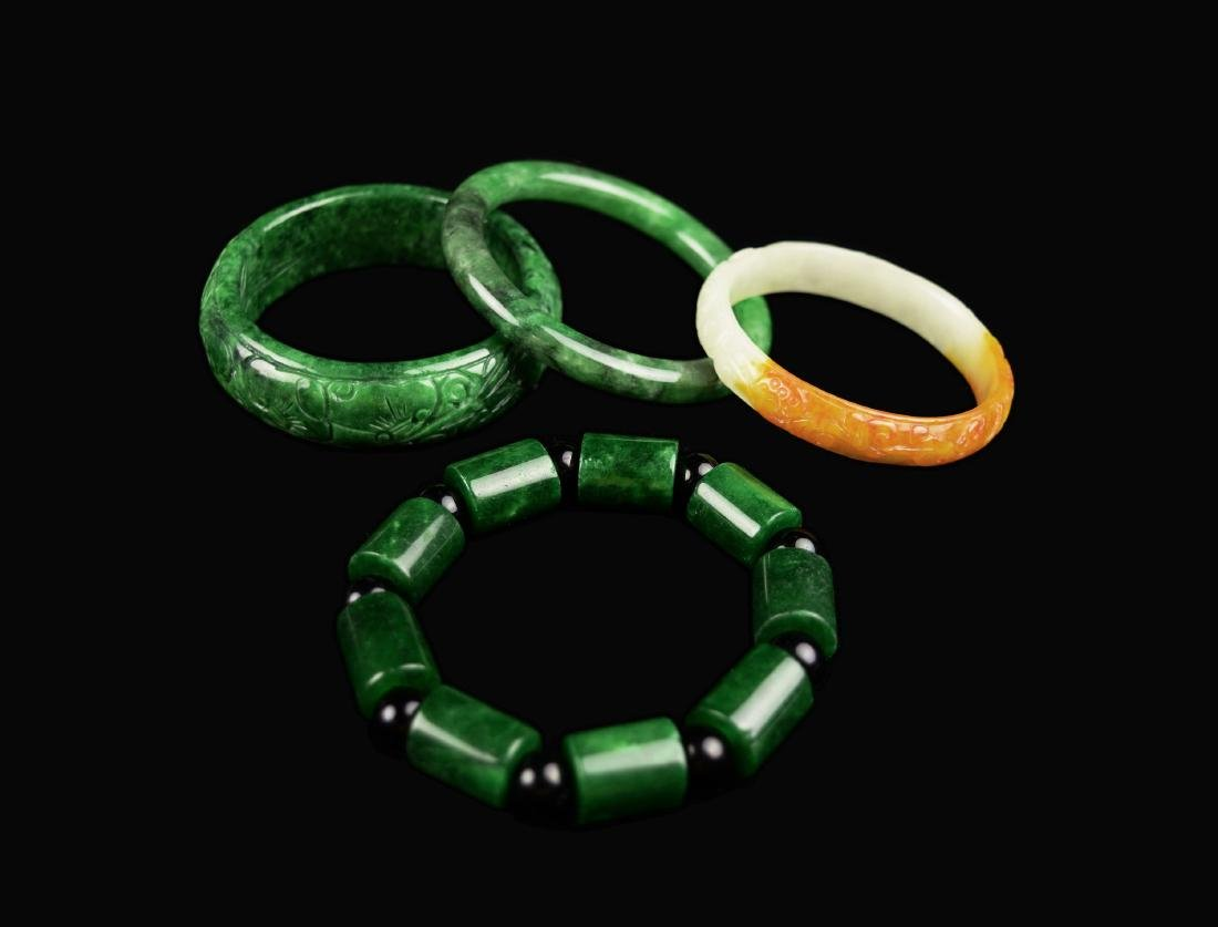 [Chinese] A Set of Spinach and White Jade Bangles and