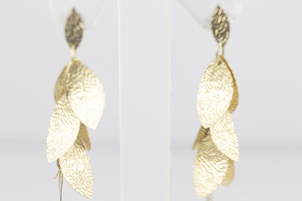14K Yellow Gold Dangling Earrings with Designed Leaves