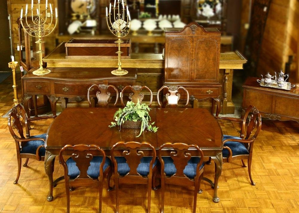 Queen Anne Style Mahogany Dining Room Set