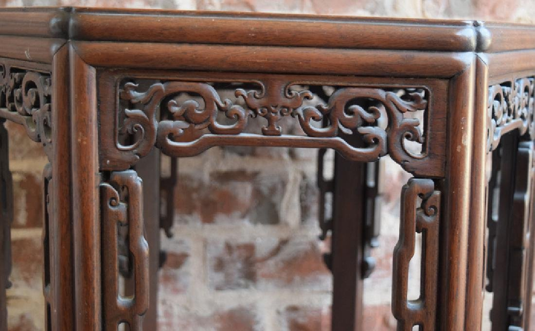 Chinese Qing hexagonal rosewood stand - 2