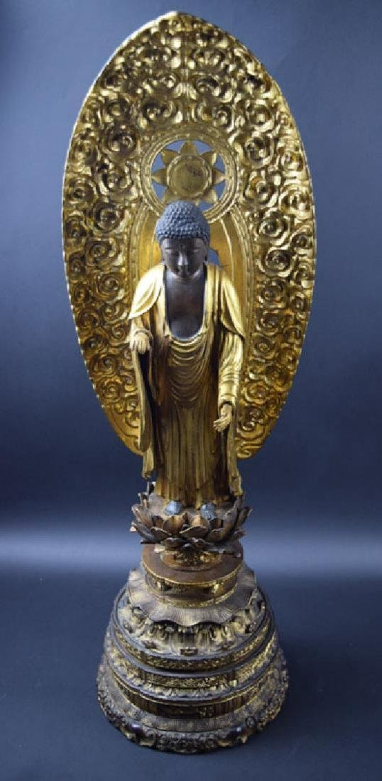 Large Japanese Edo period gilt lacquered wood Buddha