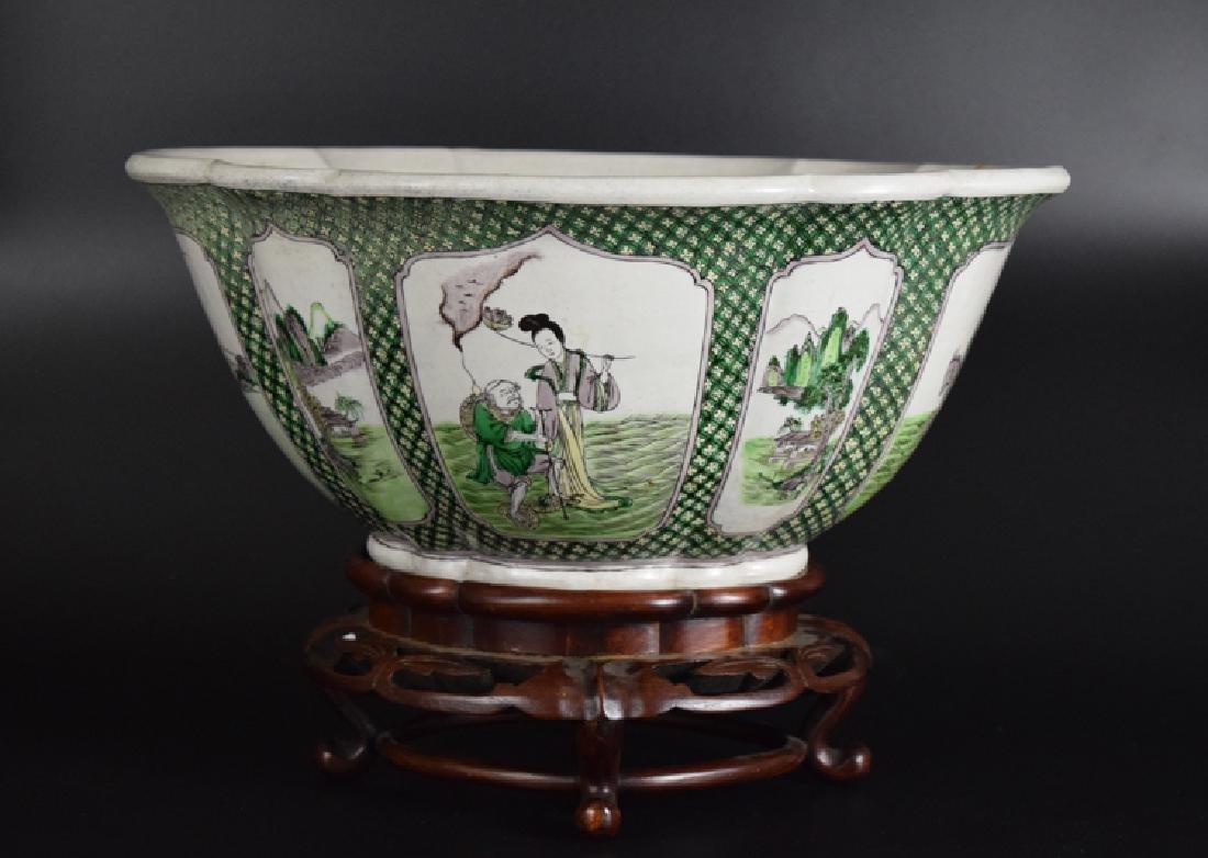 Chinese Qing Susancai porcelain planter