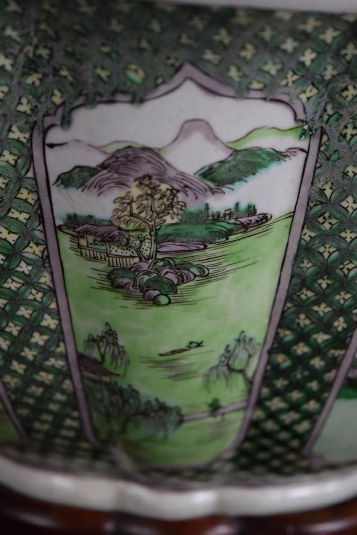 Chinese Qing Susancai porcelain planter - 3