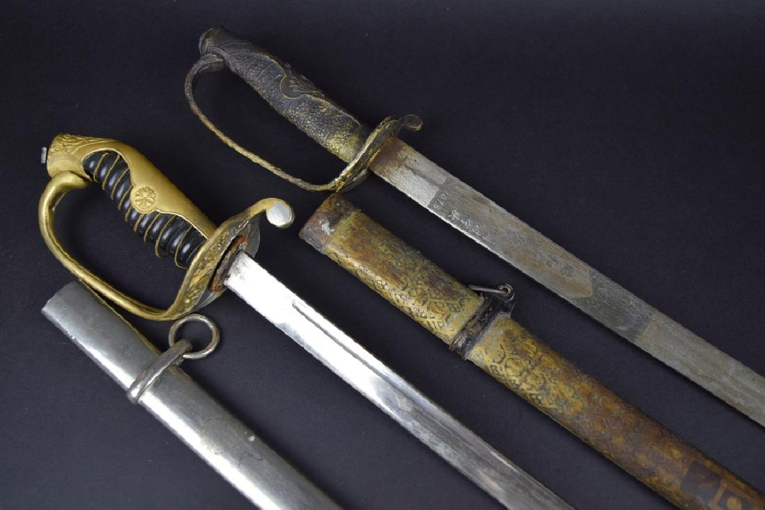Lot of two Military dress swords - 2