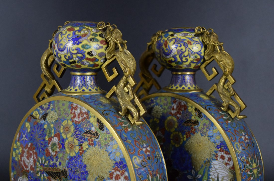 Pr. Chinese Qing cloisonne moon-flask vases - 4