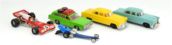 Lot 5 Vintage Small Toy Cars