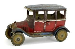 Arcade 1927 Ford Model T Sedan Cast Iron Toy Car