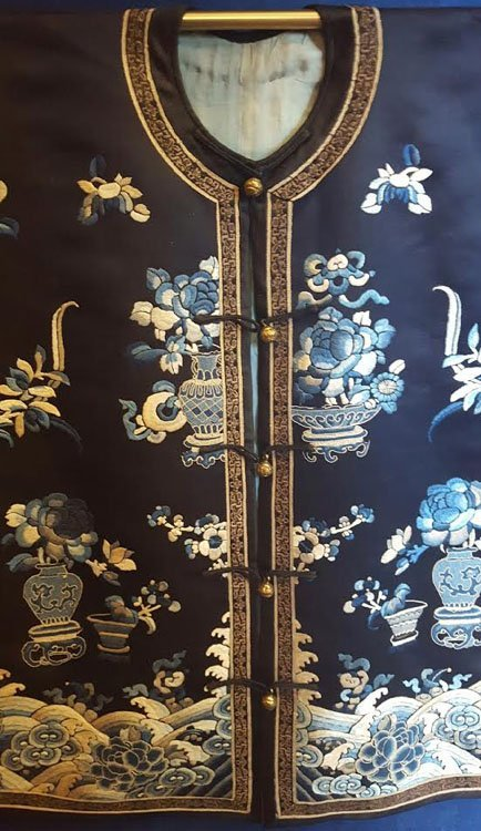 19th C. Chinese Qing Dynasty Silk Embroidery Robe - 2