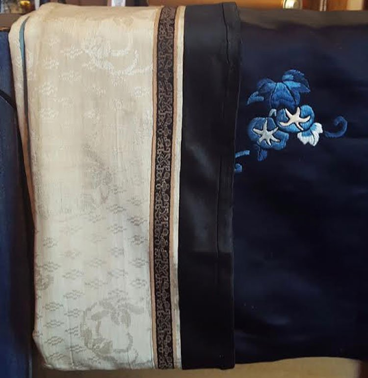 19th C. Chinese Qing Dynasty Silk Embroidery Robe - 6