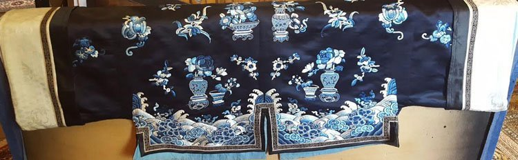19th C. Chinese Qing Dynasty Silk Embroidery Robe - 7