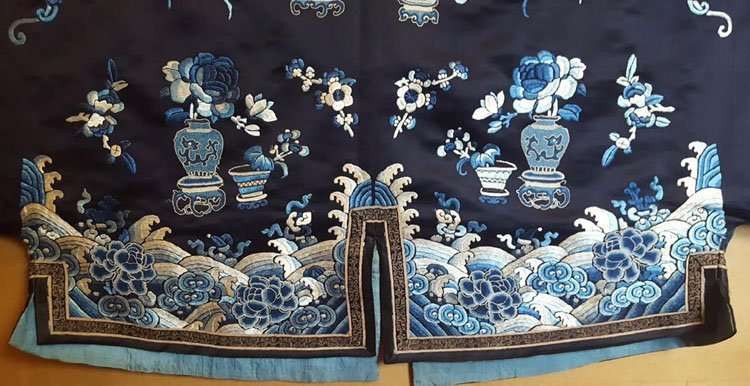 19th C. Chinese Qing Dynasty Silk Embroidery Robe - 8