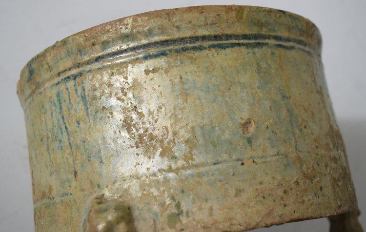 Chinese Zhou-Chin Period An Iridescent Glazed Pottery - 6