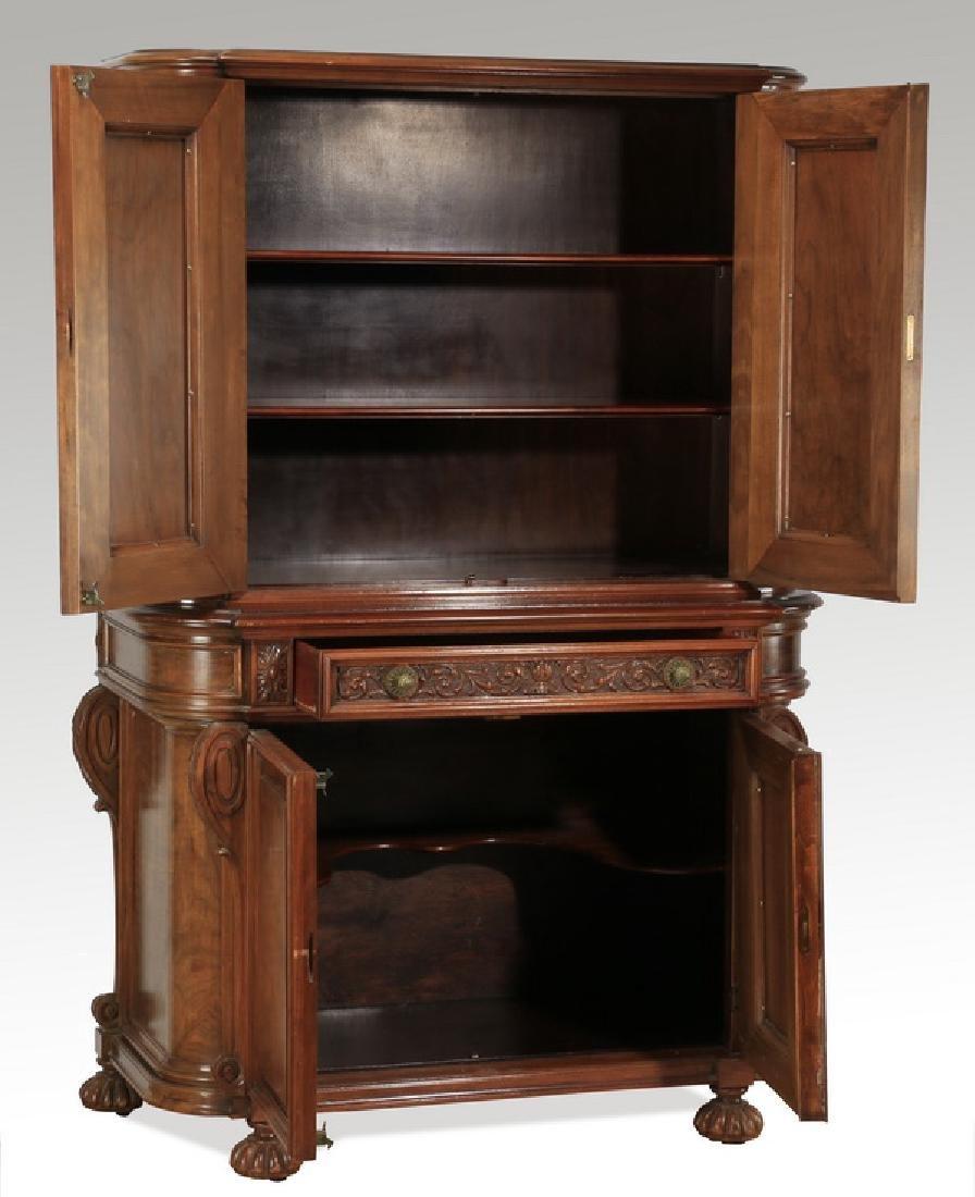 Early 20th c. Berkey & Gay style walnut cabinet - 2
