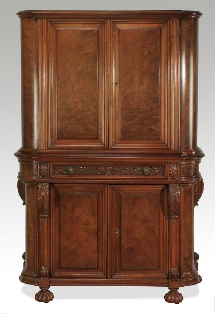 Early 20th c. Berkey & Gay style walnut cabinet - 3
