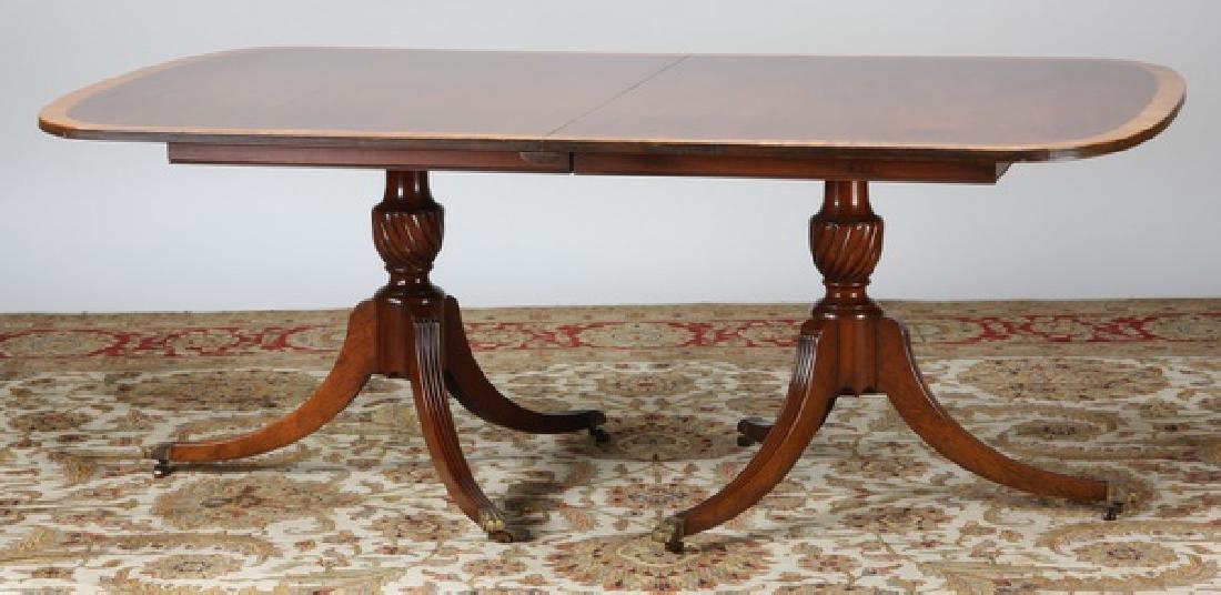 19th c. Sheraton style mahogany table w/ leaves - 2