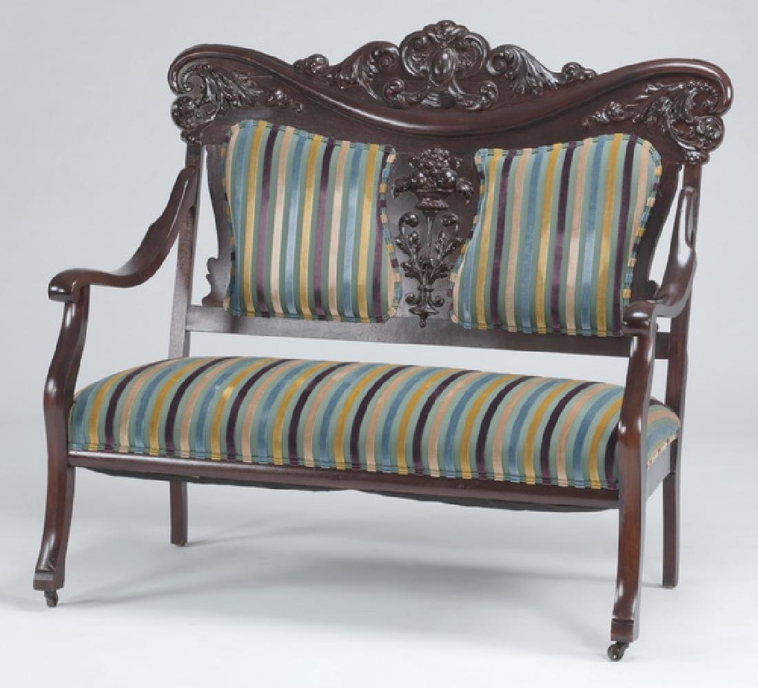 Early 20th c. Victorian settee upholstered in velvet