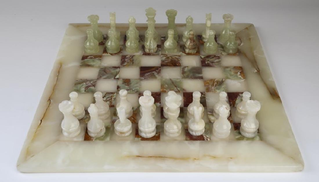 Green and white onyx chess set with case