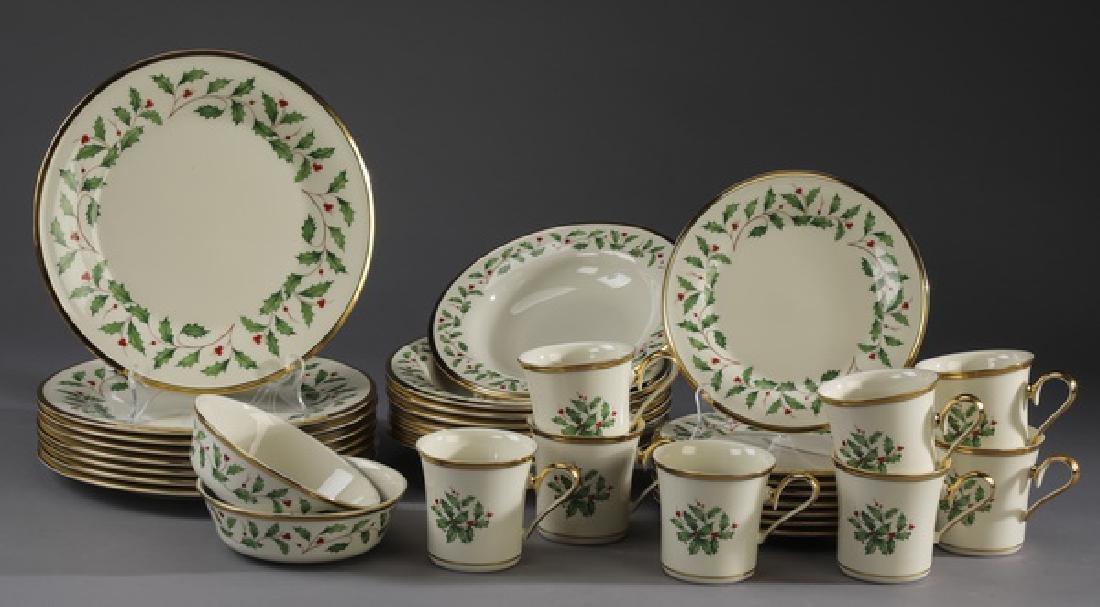 34 Pc Lenox porcelain 'Holiday' dinner service for 8